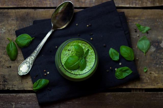 Avocado-Gurken-Suppe
