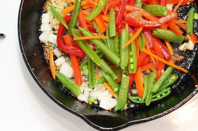 Gedünstetes Gemüse mit Reis